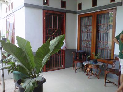 beranda rumah taman aster dijual